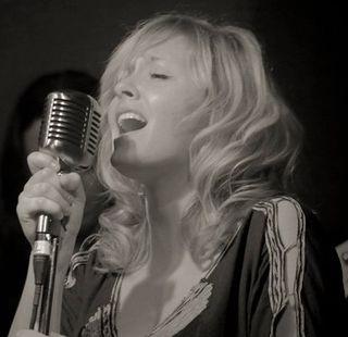 The tilt singer